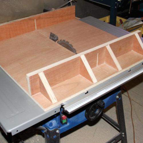 Chariot de coupe pour scie sur table